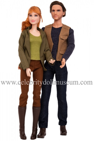 Bryce Dallas Howard and Chris Pratt(Jurassic World) dolls