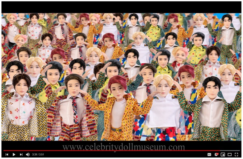 BTS  dolls in IDOL video still