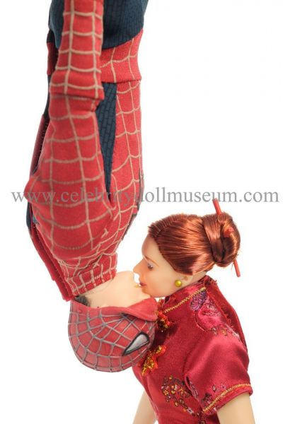 Tobey Maquire and Kirsten Dunst dolls from Spiderman