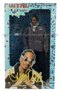 Snoop Dogg action figure box front