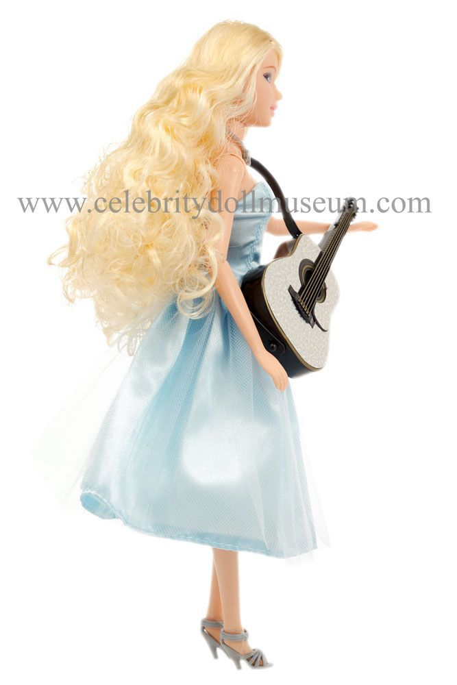 Taylor Swift Celebrity Doll Museum